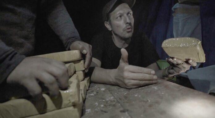 """P7 Uncovered 2275418 696x384 - Kokainrausch in Deutschland: ProSieben-Reporter Thilo Mischke verfolgt in """"Uncovered"""" den Weg der gefährlichen Droge von Peru nach Deutschland"""
