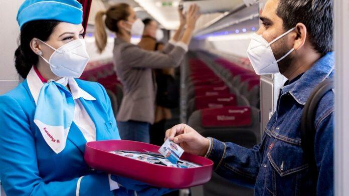 Sicher20unterwegs20mitgs20und20Sagrotan 696x391 - Sicher unterwegs mit Eurowings und Sagrotan: Eurowings setzt auf die Desinfektionsprodukte des Hygiene-Experten Sagrotan