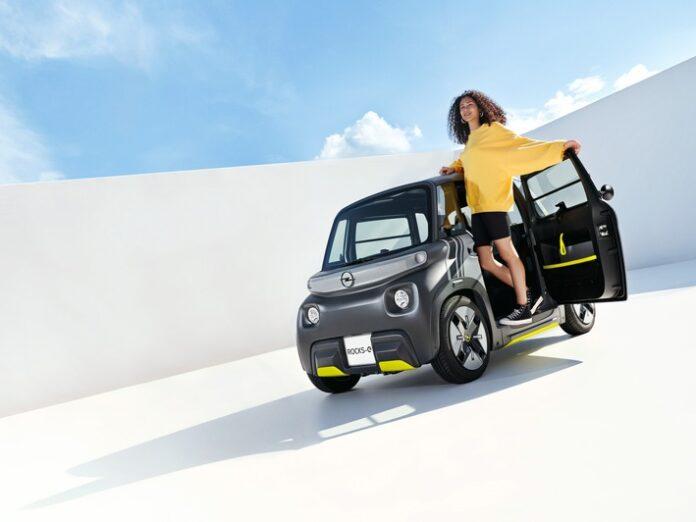 image 1 99 696x522 - Premiere für den Opel Rocks-e: Neuer City-Stromer für eine neue Zeit
