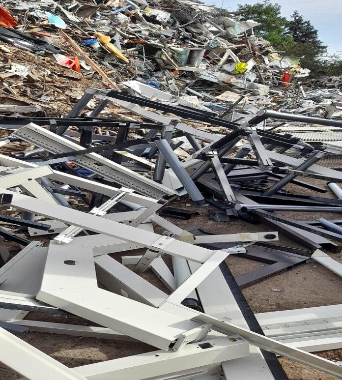 image 1 149 696x773 - Schrottabholung Remscheid - Schrottentsorgung mit Service