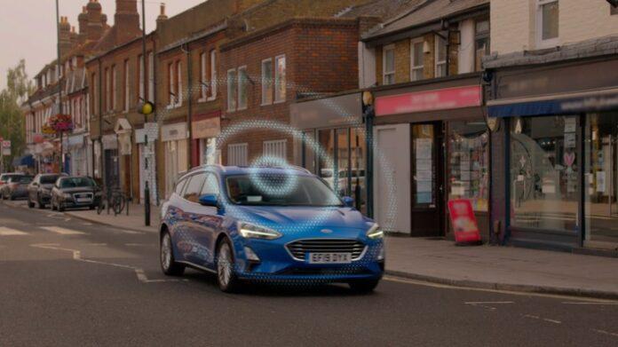 """image 1 163 696x391 - Ford entwickelt vernetzte """"Road Safe""""-Technologie zur Vorhersage von potenziellen Unfällen"""