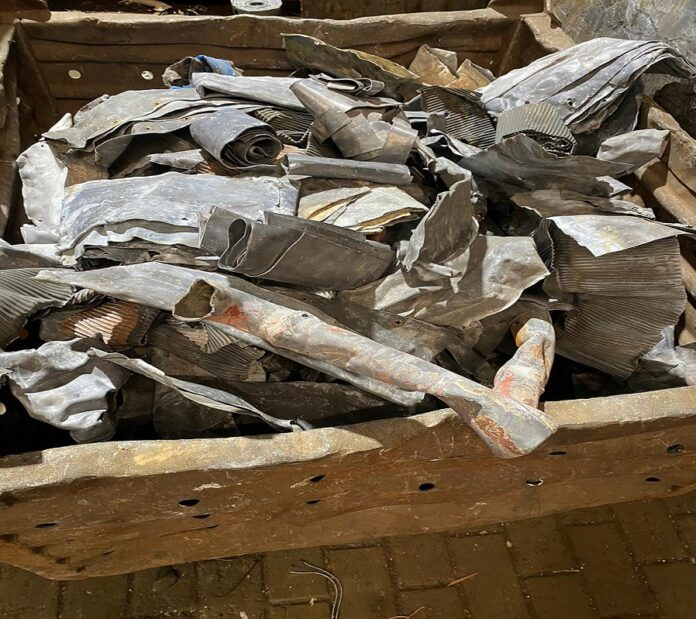 image 1 14 696x619 - Altmetalle kostenlos abholen und bezahlen lassen durch Schrottabholung Duisburg